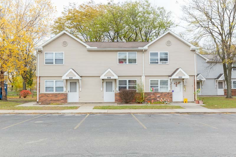 Elmdale / Mercer Courts AMP 112 at 463 Elmdale Court